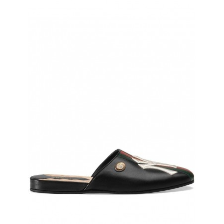 Gucci Leather slipper with NY Yankees™ patch